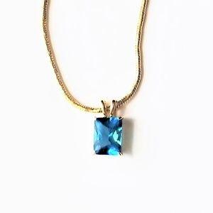 Neckace Gold Tone Aqua Blue Gem Woman's